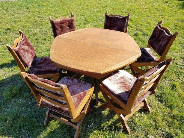 Komplet dębowy - 6 krzeseł, stół rozkładany w bardzo dobrym stanie