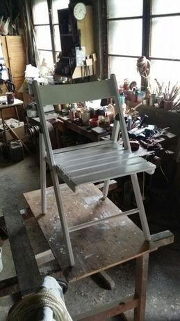 Białe krzesło, składane