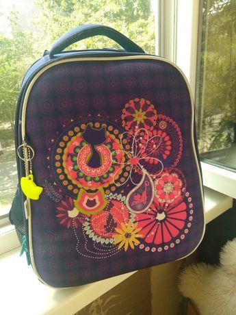 Школьный рюкзак девчачий