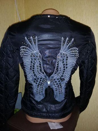 Куртка женская фирменная размер М 38