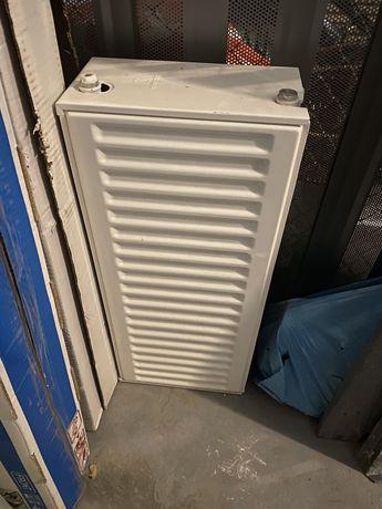 Батарея Romstel 300*700мм бокове підключення