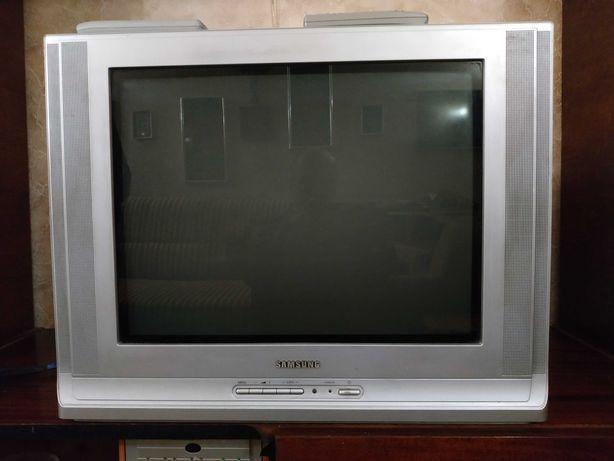 Хороший телевизор Самсунг
