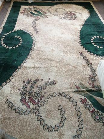 Продам ковёр Бельгия 2.40/4 метра (пересылаю)