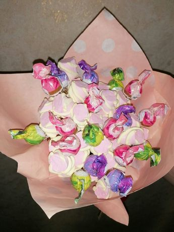 Солодкі дитячі букети з конфет