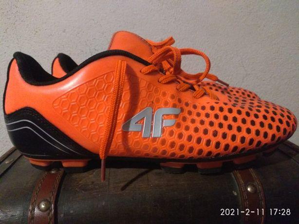 Korki 4F oraz Nike
