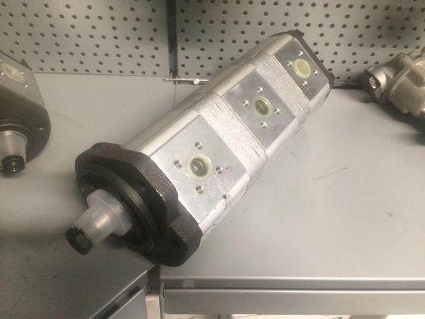 Pompa hydrauliczna potrójna Renault 110 120 Zamiennik