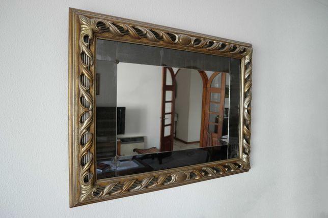 Espelho de parede de sala