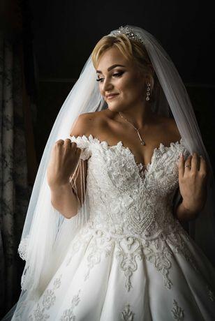 Весільна сукня трубами / Королівське весільне плаття