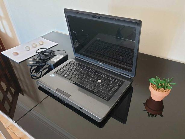 Computador portátil Toshiba Satellite L300