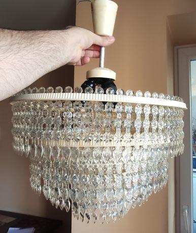 Люстра на три лампочки