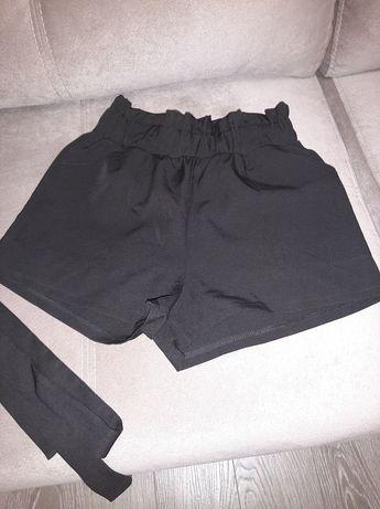 Продам классические шорты