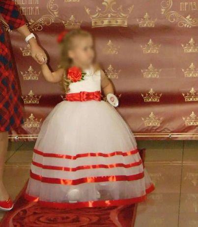 Выпускное нарядное вечернее платье