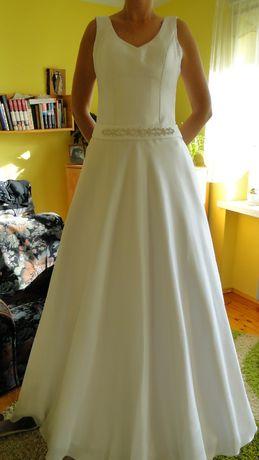 Suknia ślubna dla bardzo wysokiej pani