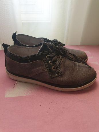 Туфли на мальчика 35 р