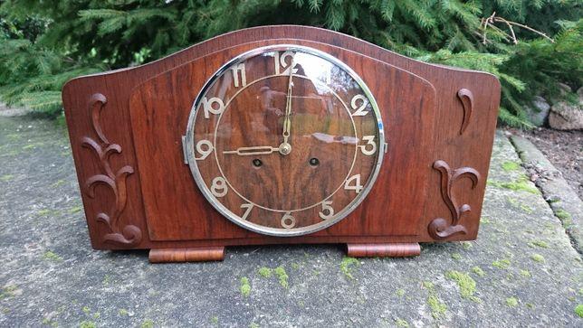 Stary kominkowy zegar Genfa
