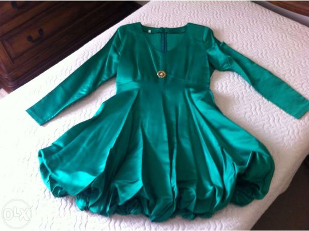 Vestido de cerimónia verde (usado uma vez)