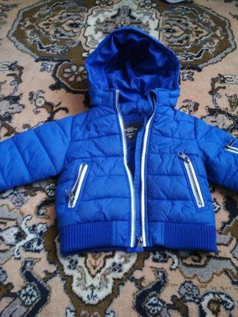 Детская фирменная зимняя куртка.