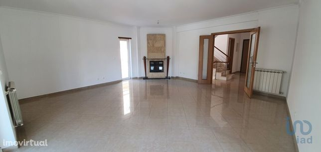 Moradia - 343 m² - T4