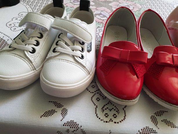 Туфли 2 пары, макасины девочка шикарные размеры и цены разные