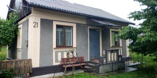 Будинок в центрі Садгори, Чернівці (вул. Демократична, 21)