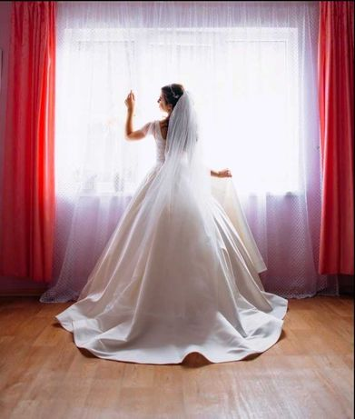 Платье свадебное Kior, размер S