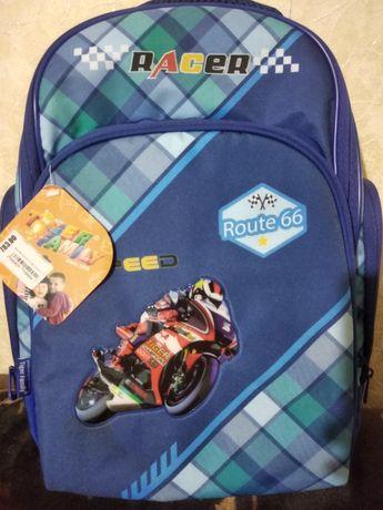 Школьный рюкзак. Портфель.