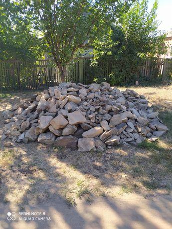 Отдам даром камни для строительства