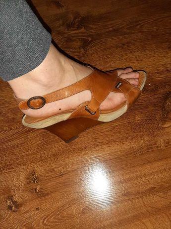 Sandałki skórzane Wojas okazja