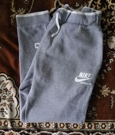 Спортивки Nike (замеры в описании )