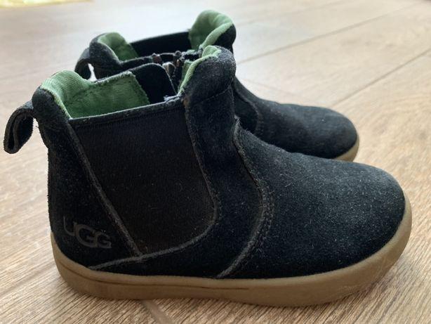 Продам ботинки фирмы Ugg 25 размер