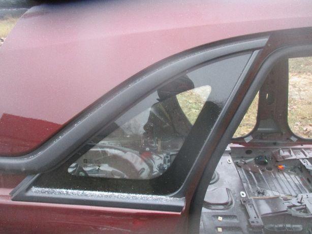 Opel Crossland szyba karoseri karoseryjna tył tylna prawa 2018