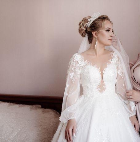 Весільна сукня, в подарунок пеньюар!