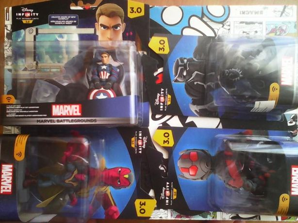 Disney infinity 3.0 Marvel Battlegrounds playset, + extras.