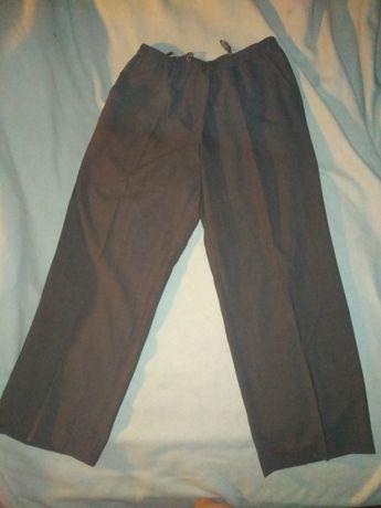 Модные, хорошие брюки.
