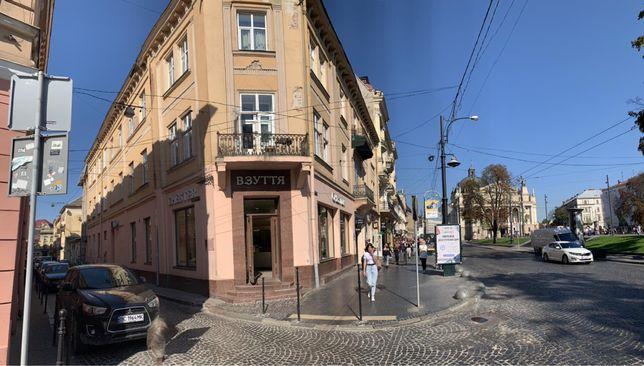 Продаж квартири в центрі по вул. Тиктора