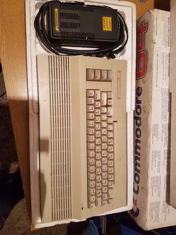 Komputer Commodore 64 (z 1987 roku) + zasilacz + magnetofon