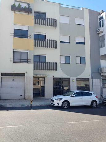 Venda de apartamento em São Domingos de Benfica