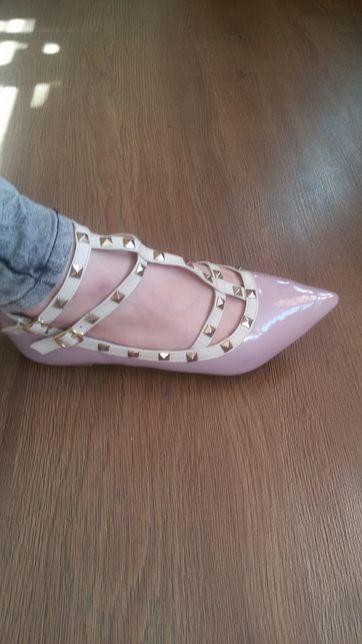 Легенькі туфлі
