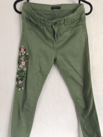 Spodnie dziewczęce Reserved r. 146