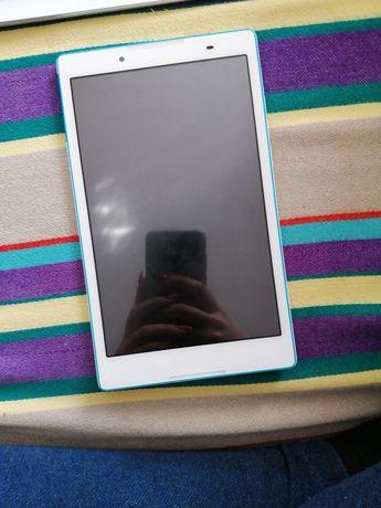 Sprzedam tablet Lenovo TB3-850F