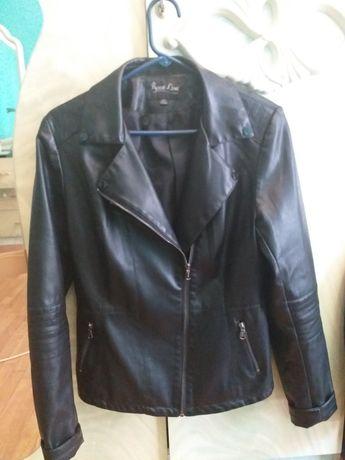 Чорна шкіряна жіноча куртка-косуха Rosse Line
