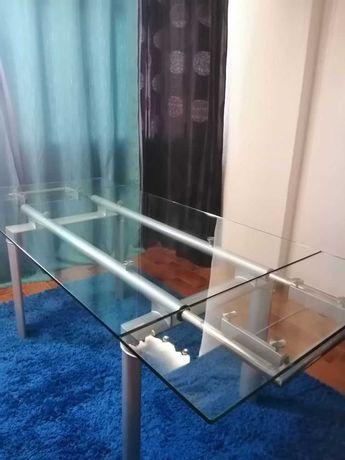 Mesa de jantar extensível em vidro temperado