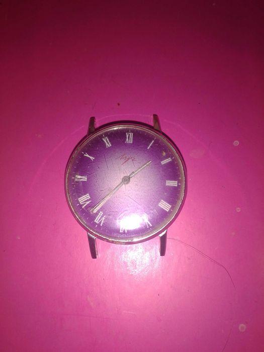 Часы луч редкие римские цифры с  фиолетовым цыферблатом Можняковка - изображение 1