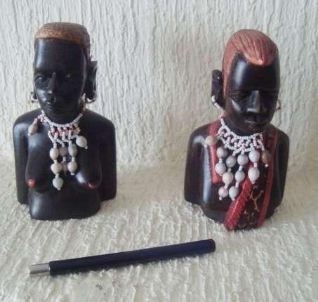 Artesanato 2 casais de indígenas de Angola e Africa do sul