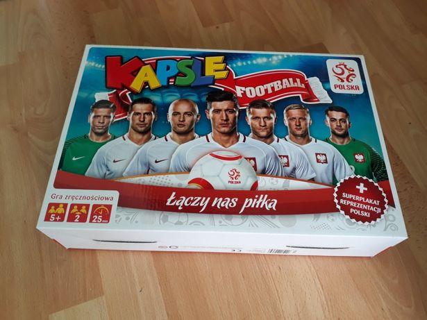 Gra Kapsle, Football