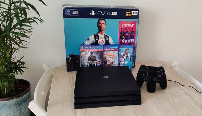 Sony Playstation 4 PS4 PRO 1TB + 4x PAD + stacja ładująca + 3 gry