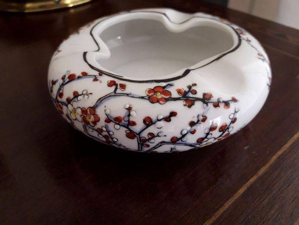 Cinzeiro Porcelana Macau