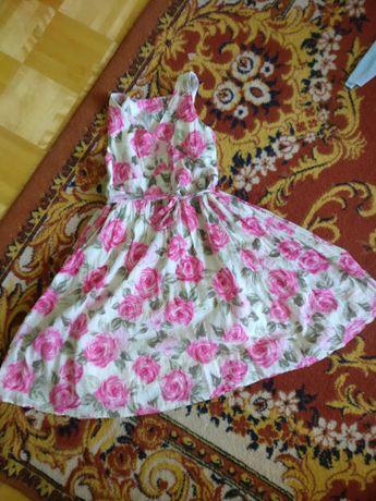 Śliczna letnia wizytowa sukienka w róże 128 134 z podszewką 4+ 5+