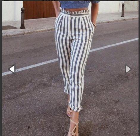 Трендовые укороченные высокие брюки штаны в полоску