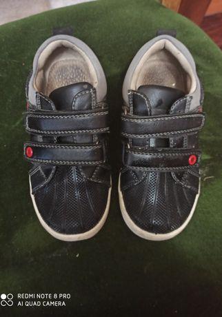 Кроссовки на мальчика (кеды)